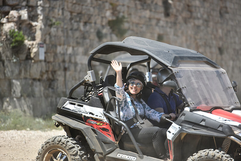buggy safari tour in autumn